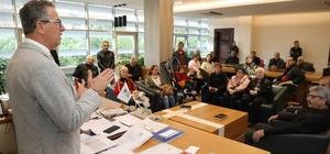 Gaziemir'de Halk Günü uygulaması Başkan Arda, 4 saatte 200'e yakın vatandaşı dinledi