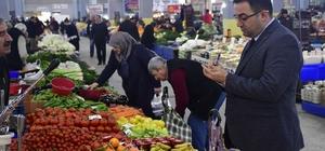 Başkan Erdoğan pazar yerinde talepleri dinleyip not aldı