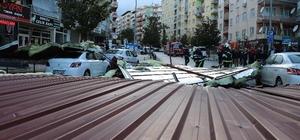 Denizli'de dün etkili olan fırtınanın bilançosu ortaya çıkmaya başladı Kentte fırtına nedeniyle 112 Acil Çağrı Merkezi'ne 450 başvuru yapıldı Kentte dün etkili olan fırtına sonrası hasar tespit çalışmaları devam ediyor