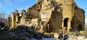 Tarihi Dağpazarı Kilisesi'nin bir kısmı yağışlardan yıkıldı