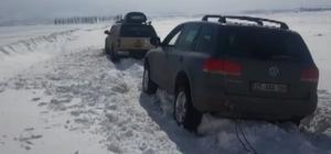 Köy okuluna yardıma giden Off-Road ekibi yolda mahsur kaldı