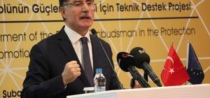 """'Ombudsman' Kocaeli halkıyla buluştu Kamu Denetçiliği Kurumu Kamu Baş Denetçisi Şeref Malkoç: """"2019 yılında bize 21 bin 525 başvuru yapılmış"""" """"Türkiye'de son yıllarda olağanüstü imkanlar ve güzellikler sağlandı"""""""