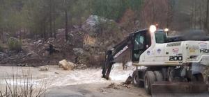 Mersin'de ekipler sel ve taşkınlara karşı teyakkuzda