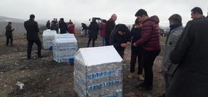 2 bin 500 pet şişeden 10 köpek barınağı yaptılar