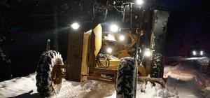 Alaşehir'de karla kapanan yollar açıldı