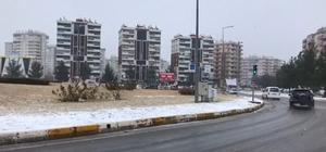 Diyarbakır'da kar yağışı hayatı olumsuz etkiledi