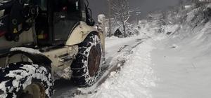 Başiskele Belediyesi ekipleri karla mücadele ediyor
