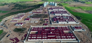 Adana'da yeni cezaevi kampüsünün inşaatı sürüyor 2 bin 815 kişi kapasiteli cezaevi kampüsünün inşaat çalışması drone ile havadan görüntülendi