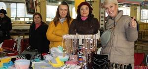 İzmir'de 200 kadın depremzedeler için el emeklerini satışa sundu İzmir'in meşhur 2. el pazarı, 14'üncü kez kapılarını açtı