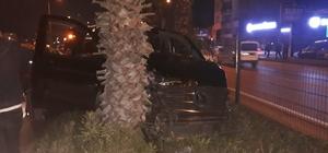 Antalya'da Mehmet Özhaseki trafik kazası geçirdi