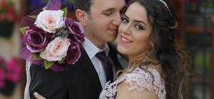 Yeni evli çifti trafik kazası ayırdı Feci kazada araç sürücüsü ölürken eşi yaralandı