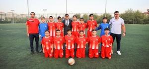 Gençler namağlup şampiyon oldu Futbol akademisi haklı gurur yaşıyor