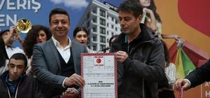 Erzurum MNG, ev hediye etti