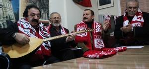 Sivaslılar TFF ve MHK'ye tepkisini türkülerle dile getirdi Sivaslı ozanlar, Sivasspor'un uğradığı haksızlıklara karşı tepkilerini ozanca dile getirip TFF ve MHK için türkü besteledi