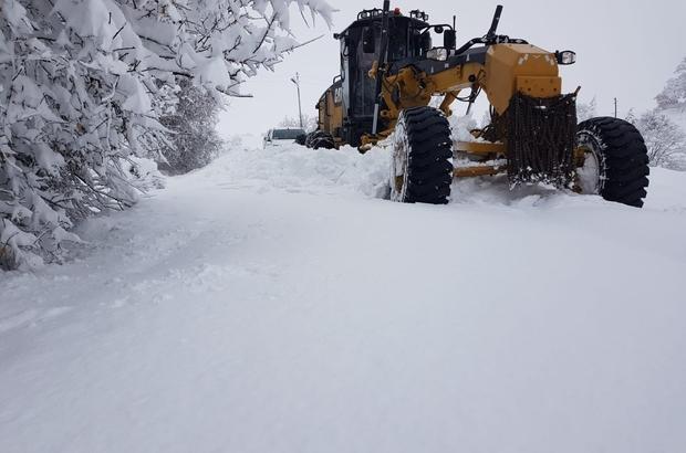 Elazığ'da karla kaplı 22 köy yolunda çalışma yürütülüyor ile ilgili görsel sonucu
