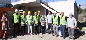 Konyaaltı Belediyesinden evleri kötü durumda olan aileye yardım eli