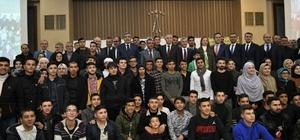 """Umre'den dönen öğrenciler ve aileleri Gaziantep protokolü ile bir araya geldi """"Eğitime yapılan yatırımları destekliyoruz"""""""