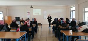 Hisarcık'ta öğrenci ve velilere seminer