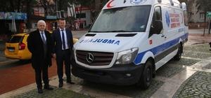 Burhaniye Belediyesi yeni ambulansını aldı