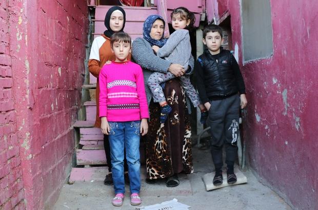 Türkmen ailenin yaşam mücadelesi Irak'tan kaçıp Adana'ya sığınan Türkmen aile, ahşap merdivenli iki odalı evde yaşıyor