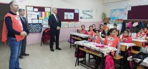 Burhaniye'de ilkokul öğrencileri TEMA gönüllüsü oldu