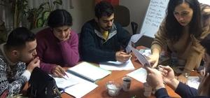 Tarsus'ta işitme engelli gençlere EKPPS kursu