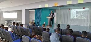 Mersin'de öğrencilere 'Bilinçli internet kullanımı ve siber zorbalık' semineri