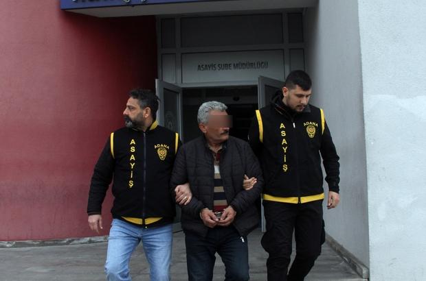 """55 yıl hapis cezasıyla aranıyordu batak oynarken yakalandı Adana'da nitelikli yağma suçundan 55 yıl 6 ay 20 gün hapis cezasıyla aranan bir hükümlü, kahvehanede """"batak"""" oynarken yakayı ele verdi"""