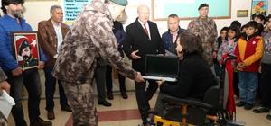 Özel harekat polisleri Şehit Soysal okulunu ziyaret etti