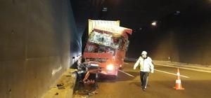 Tünelde tır tıra çarptı: 1 yaralı