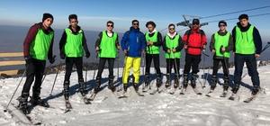 Kartepe'de ücretsiz kayak kursu başladı