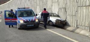 Hastaneye giderken kazada can verdi