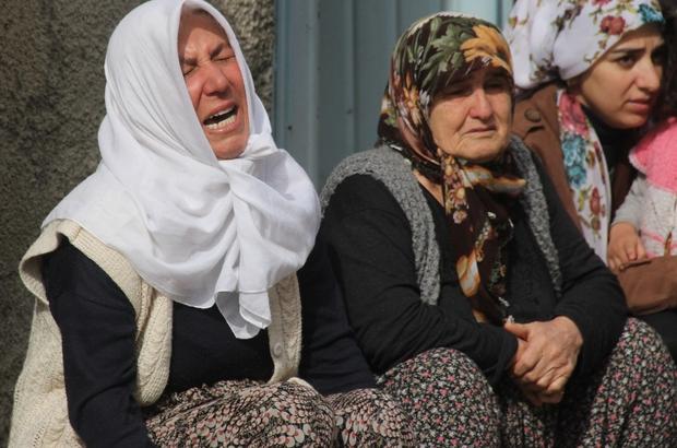 Özel güvenlik görevlisinin sır intiharı Adana'da bir hastanede çalışan özel güvenlik görevlisi intihar etti İşe gelmeyince öldüğü fark edilen özel güvenlik görevlisinin babasının da 25 yıl önce işe giderken trenin altında kalarak hayatını kaybettiği öğrenildi