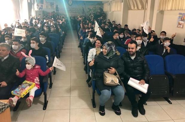 Lise öğrencileri lösemi hastalığına maskeyle dikkat çekti