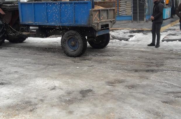 Bağlar Belediyesi buzlanmaya karşı önlemlerine devam ediyor