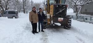 Gürün'de karla mücadele çalışmaları aralıksız sürdürülüyor