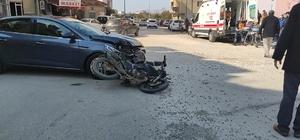 Samandağ'da otomobille motosiklet çarpıştı: 2 yaralı