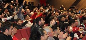 Balıkesirspor, forma gecesinde 17 bin forma sattı Balıkesirspor'a büyük destek