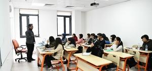 Çayırovalı öğrenciler üniversiteye gençlik merkezinde hazırlanıyor