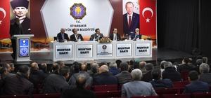 """Vali Güzeloğlu: """"2 bin 158 kilometre yola sıcak asfalt serilecek, bu bir rekordur"""""""