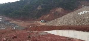 Uşak'ta baraj çatladı, 2 köyde evler boşaltılacak 4 köyde okullar tatil edildi