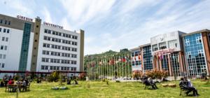 Giresun Üniversitesi'nin yurt sorunu Giresun merkezde 18 bin 942 öğrenciye karşılık 4 bin 730, ilçelerde ise 8 bin 87 öğrenciye karşılık  2 bin 138 kapasiteli  KYK yurdu bulunurken, bazı ilçelerde ise hiç yurt olmadığı görüldü