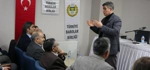 Metin Feyzioğlu'ndan hakim ve savcılara tepki Feyzioğlu, Yargı Reformu Paketi içerisinde yer alan 'Ceza Muhakemesindeki Seri Muhakeme Usulü' konulu seminere katılmayan hakim ve savcılara tepki gösterdi