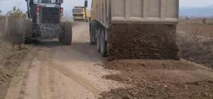 Köy yollarında stabilize çalışması
