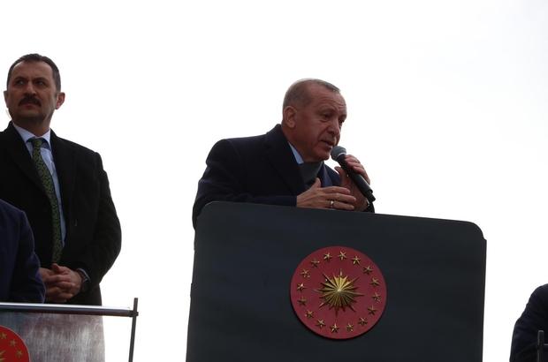 """Cumhurbaşkanı Erdoğan'dan tepki: """"Yalova Belediyesinde kurduğu rüşvet çiftliğinden tek kelime bile bahsetmiyor"""" Erdoğan: """"Yalova halkına hizmet olarak verilmesi gereken milyonlarca lira CHP idareciler tarafından talan edildi"""" """"Yaşanan bu skandal karşısında CHP Genel Merkezi'nden bir tane yetkili çıkıp da açıklama yapmadı, milletten özür dilemedi"""""""