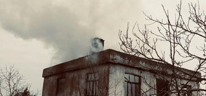 Gerze'de ev yangını