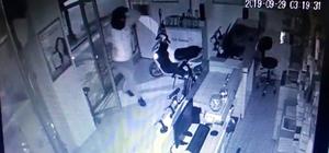 Kar maskesi taktı ama polisten kaçamadı Sadaka kutularını çalan kar maskeli hırsız güvenlik kamerasında