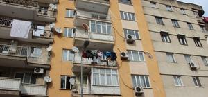 Manisa'da depremde zarar gören 7 katlı bina tahliye edildi Manisa'da bir aydır devam eden depremler sonrası il merkezindeki 7 katlı bir binadaki hasarlar büyüyünce tahliye edildi Deprem kapsamına alınmadan tahliye edilen bina sakinleri mağduriyetlerinin giderilmesini istedi