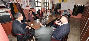Başkan Asya, Cumhuriyet Ortaokulu'nu ziyaret etti