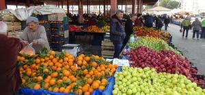 Semt pazarındaki meyve sebze hırsızlığı şüphelisi yakalandı